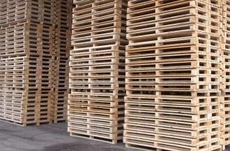 Nieuwe houten pallets